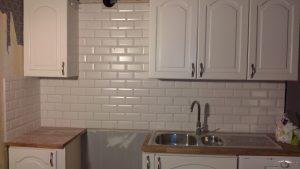 Renovera och bygg om kök och använd kakel och klinker