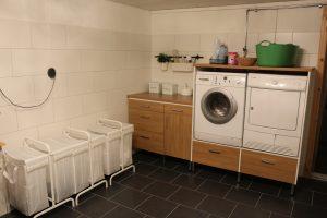 Renovera tvättstuga med kakel och klinker
